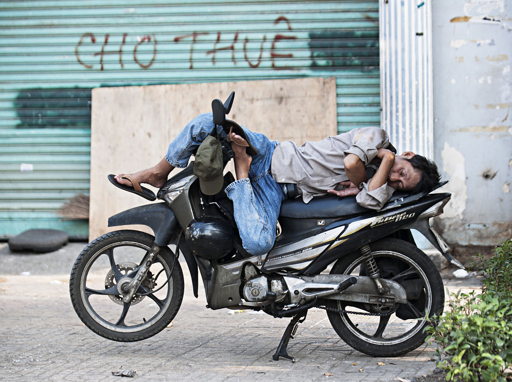 quiet moped, Ho-Chi-Minh-Stadt (Saigon)  2016