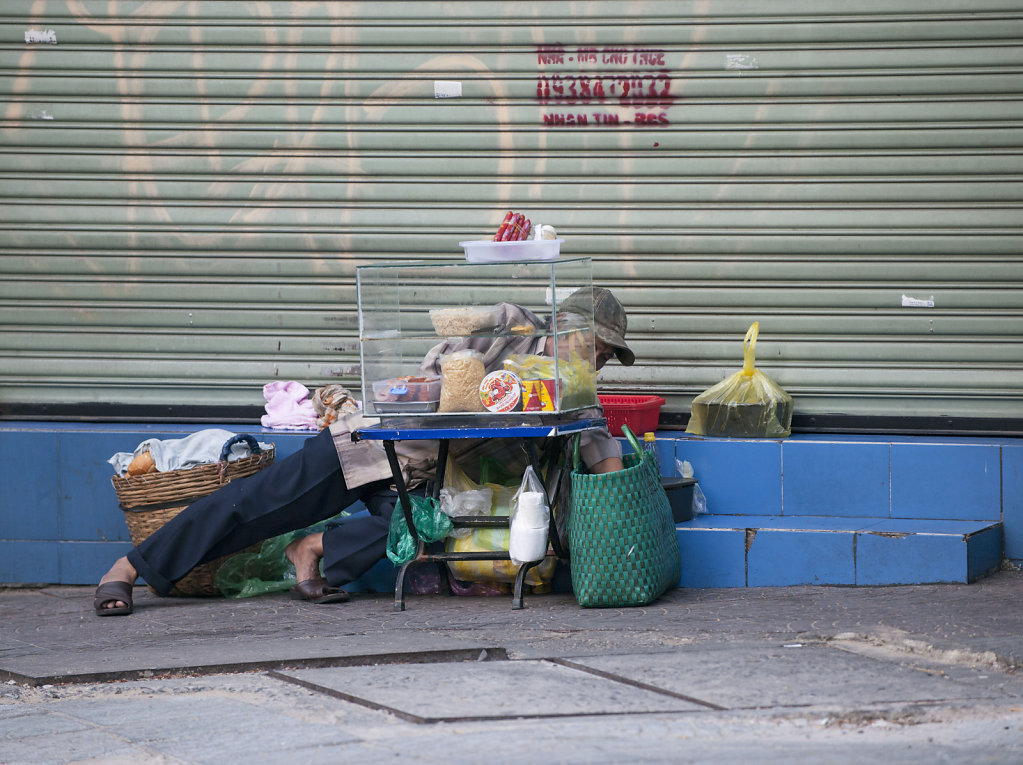 relaxed search, Ho-Chi-Minh-Stadt (Saigon)  2016